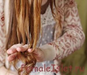крутить волосы