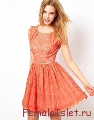 с чем носить разноцветное кружевное платье