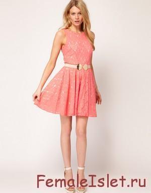 с чем носить  разноцветное платье из кружева