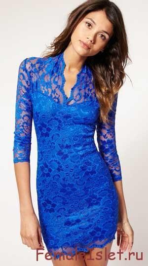 с чем носить синее кружевное платье